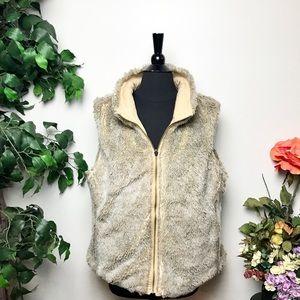 GAP Reversible Faux Fur Tan Cargo Vest Size XL